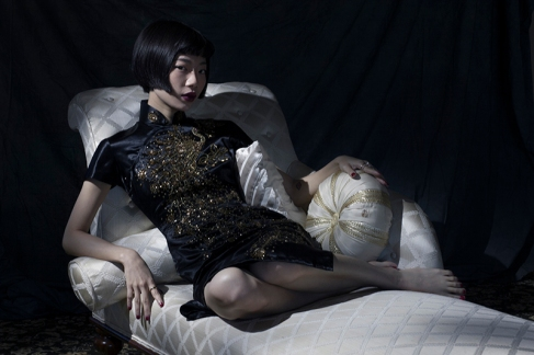 Image shows fashion loving Chinese Influencer and blogger, Harper Silin, at a photo-shoot styled and photographed by Pat Lyttle, with assistance of Rod Leon. Harper wears a vintage 1940s hand embroidered silk and sequin Cheongsam or Qipao.